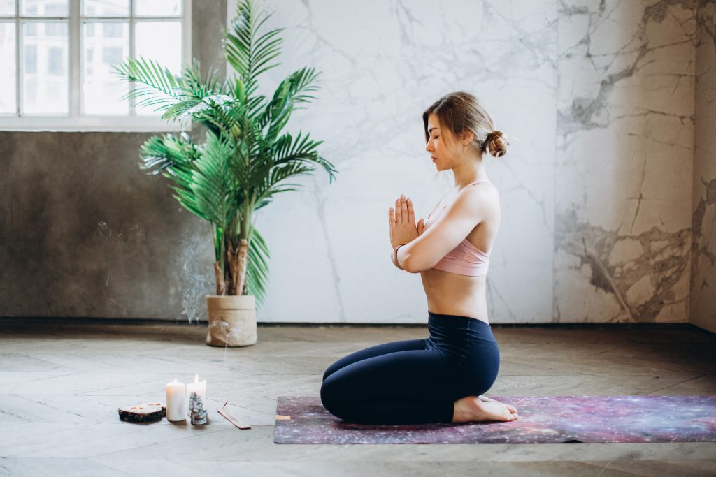 Science Based Benefits of Meditation and 8 Tips for Beginners